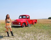 Eli Barsi featured on CMT's The Edge - Farm Girl Takes Pride in Roots